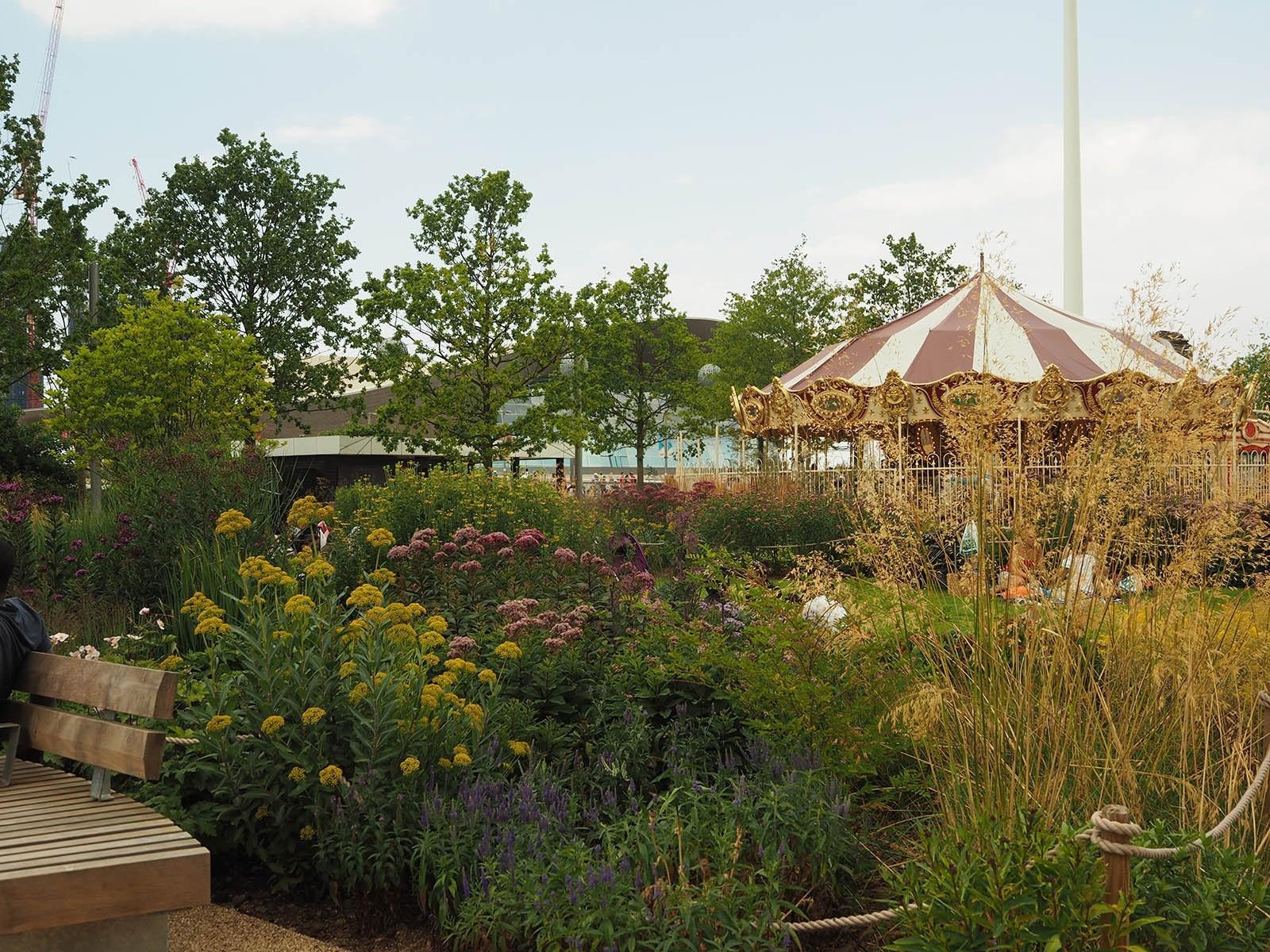 庭と植物講座「草本植物を生かした公共空間~海外事例に見る植物の役割~」